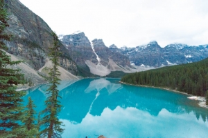 moraine-lake-in-banff-national-park-canada