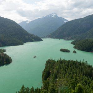 lake diablo washington with polarizer lense