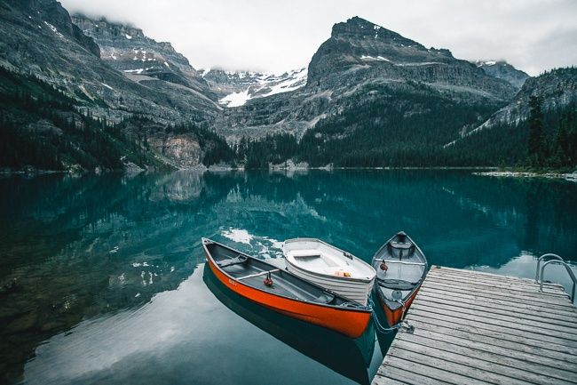 canoe dock at lake O'Hara