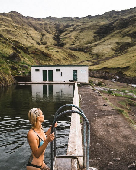 iceland Seljavallalaug Hot springs Pool souther iceland summer