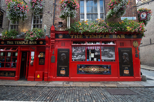 Things to see and do downtown Dublin Ireland temple bar