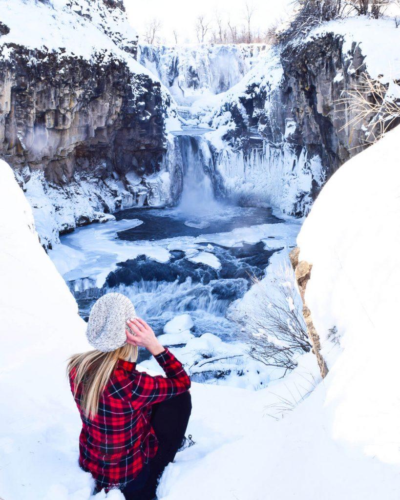 White river falls in oregon winter