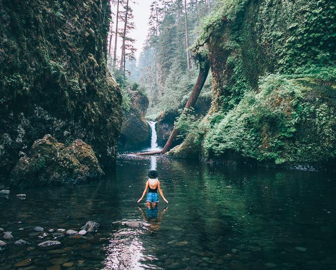 tunnel falls punchbowl falls eagle creek trail oregon columbia river gorge
