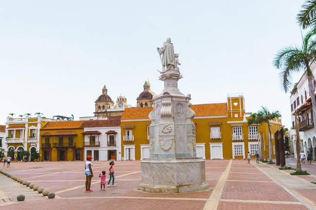 Things To Do In Cartagena Colombia Plaza De La Aduana Customs Square