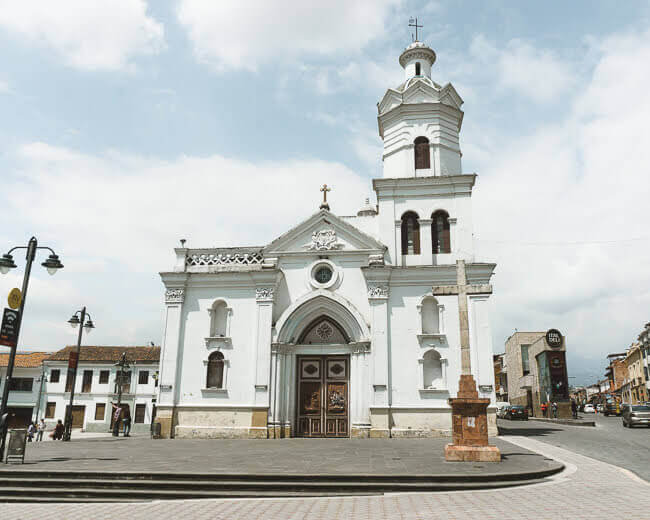 Things to do in Cuenca Ecuador San Sebastian Plaza