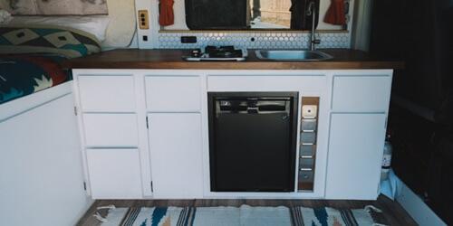 campervan-kitchen-set-up