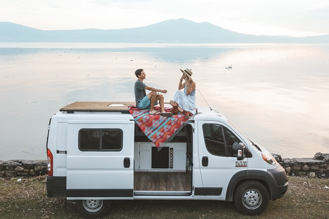 van life couple travel as a couple